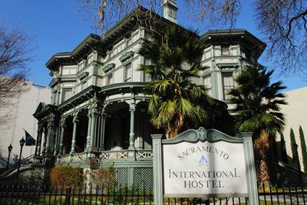 HI-Sacramento Hostel